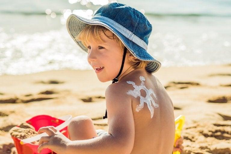 ¿Por qué es importante cuidar la piel de los niños en verano?
