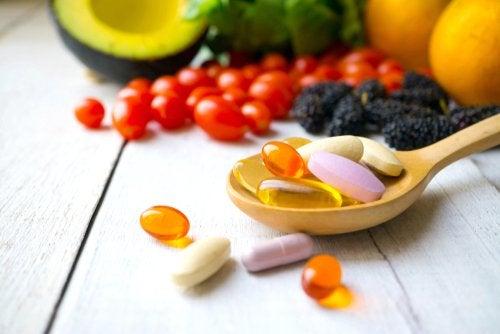 ¿Cuáles son las vitaminas hidrosolubles?