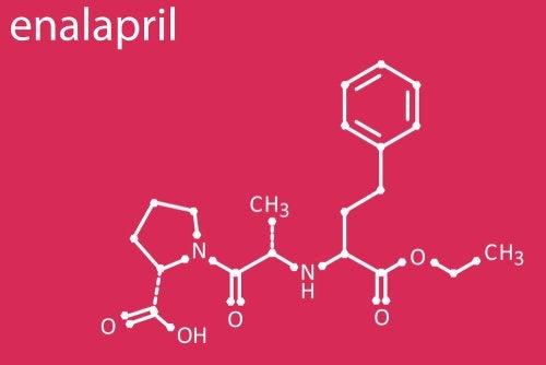 Enalapril: usos y efectos secundarios