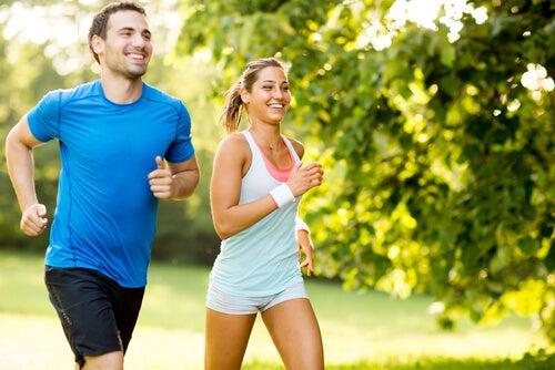 5 claves para correr de forma sana en verano