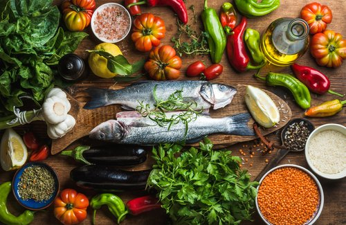 5 dietas que compiten con la dieta mediterránea tradicional