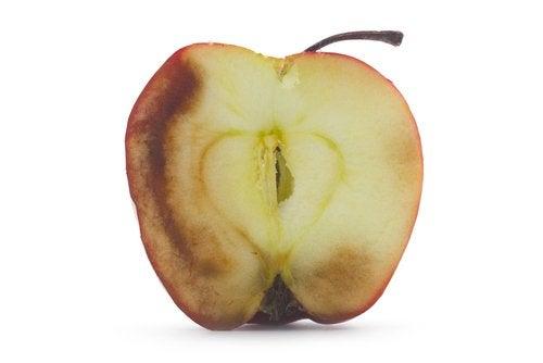 ¿Cuáles son las consecuencias de comer fruta oxidada?