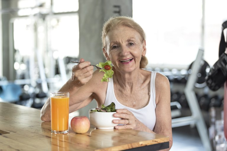 ¿Cómo evitar la desnutrición en adultos mayores?