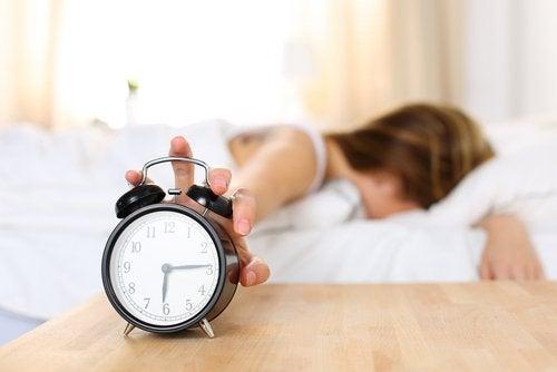 ¿Por qué me despierto cansado?