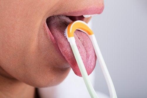 Limpiador lingual: ¿qué es y cómo utilizarlo?